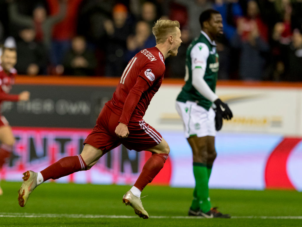 9th November 2018, Pittodrie Stadium, Aberdeen, Scotland; Ladbrokes Premiership football, Aberdeen versus Hibernian; Gary Mackay-Steven of Aberdeen celebrates after scoring the opening goal in minute 40  (photo by Alan Rennie/Action Plus via Getty Images)