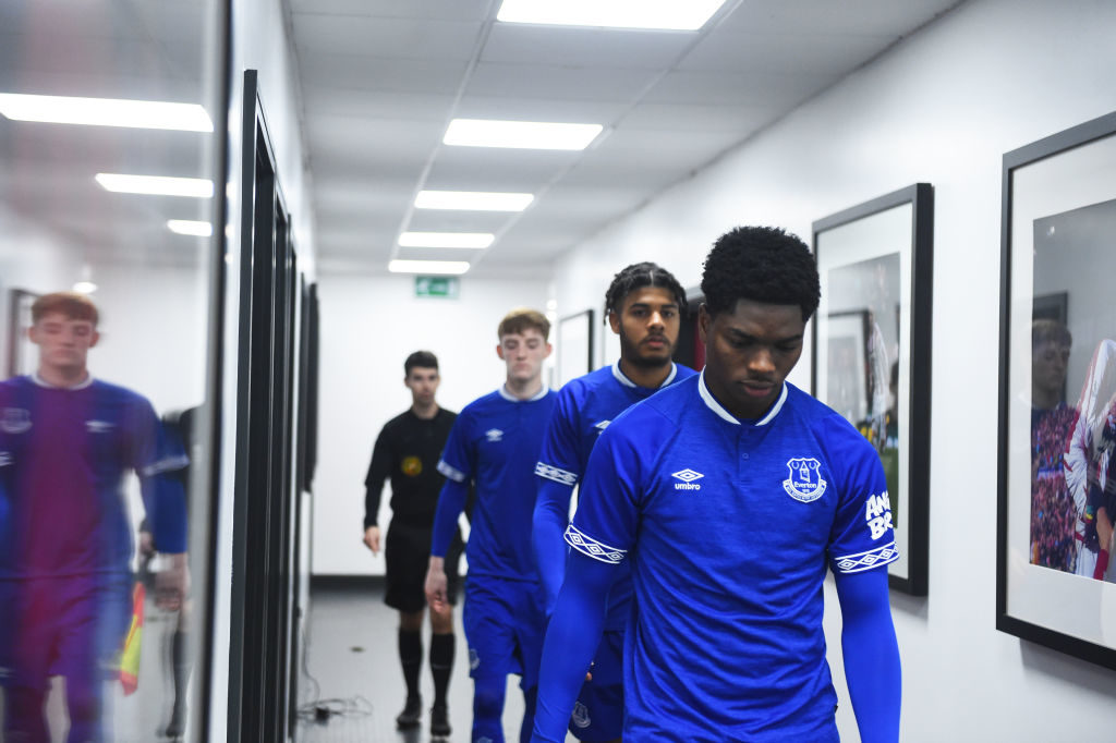 'Couple of injuries' - Academy leader provides update on Everton loanee