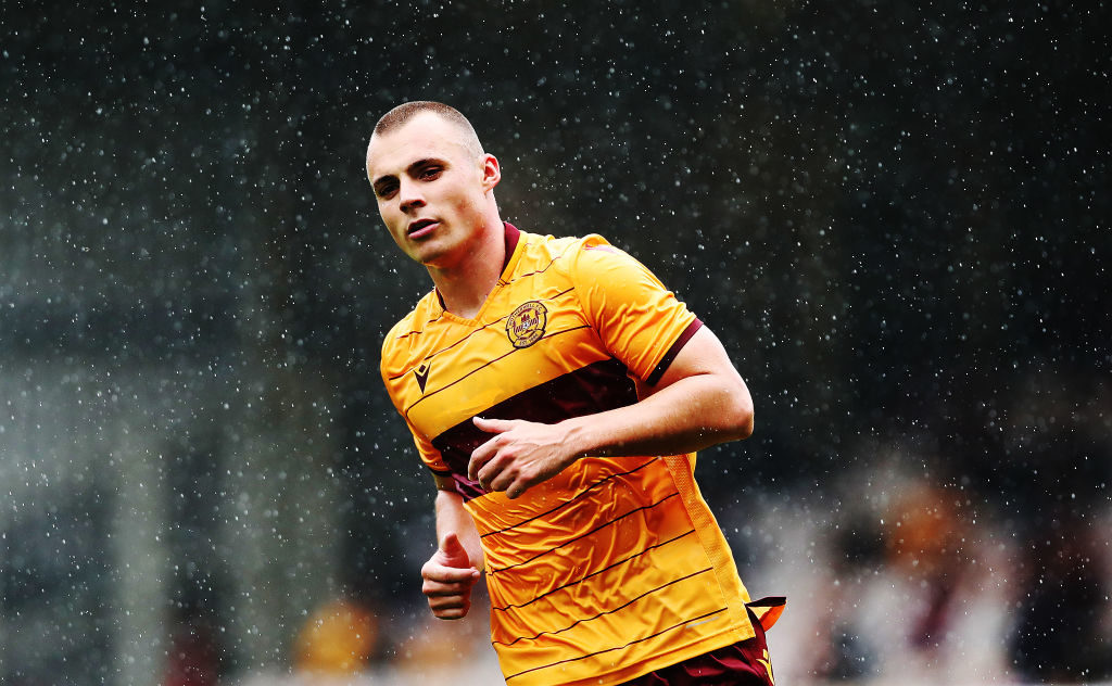 Another Motherwell man puts pen to paper on new contract