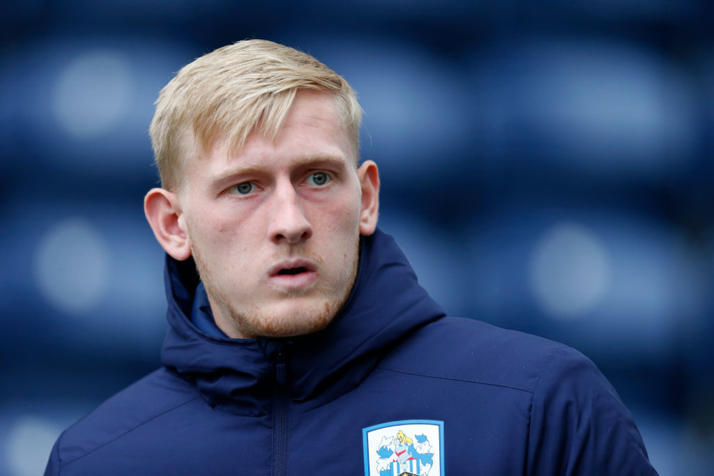 Huddersfield goalkeeper makes loan switch in search of regular minutes