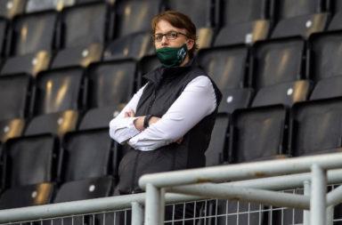 Leeann Dempster watches Hibernian