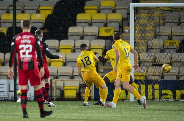 St MIrren's Jake Doyle-Hayes scores the winning goal vs Livingston