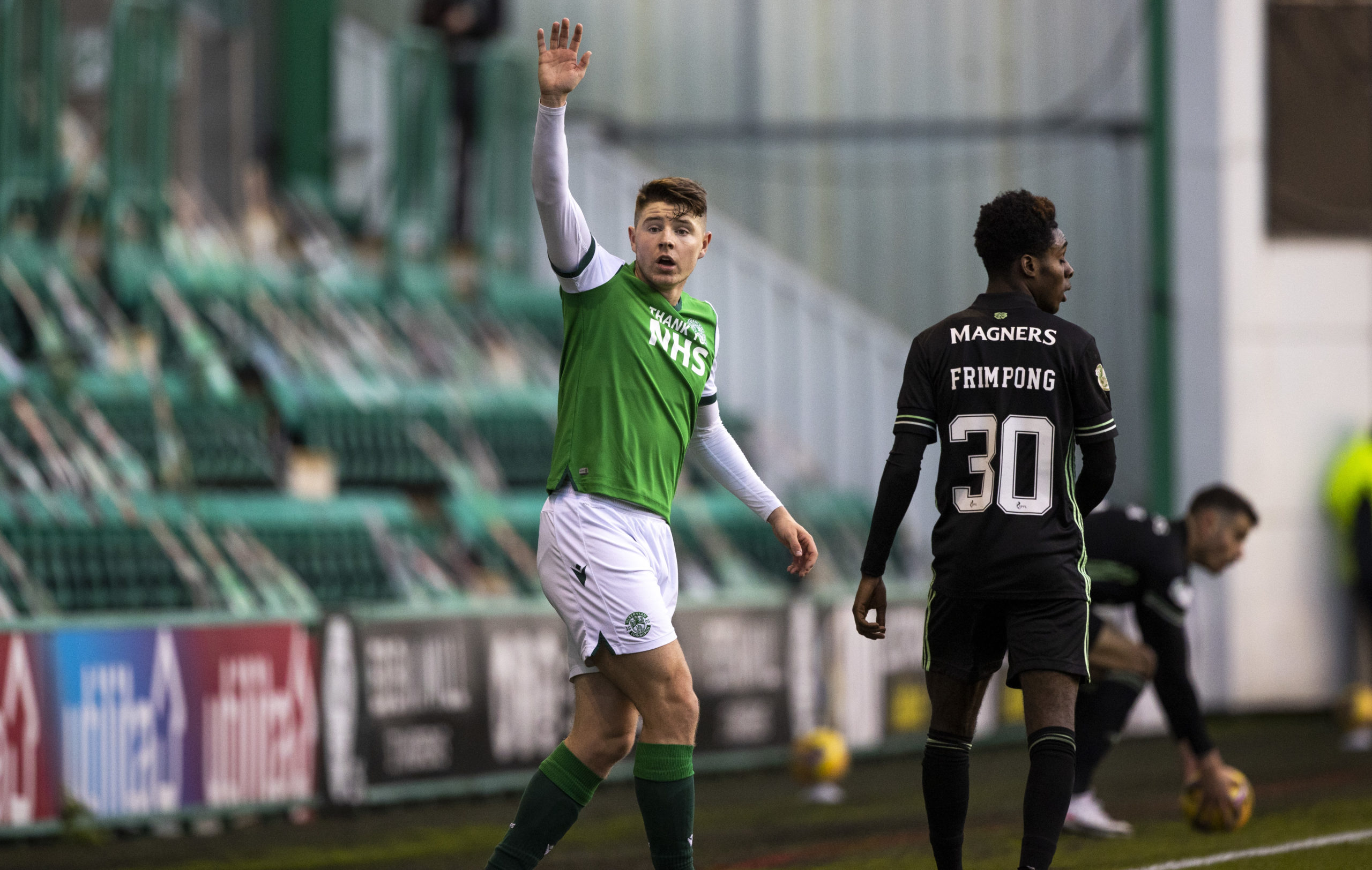 Kevin Nisbet in action for Hibernian