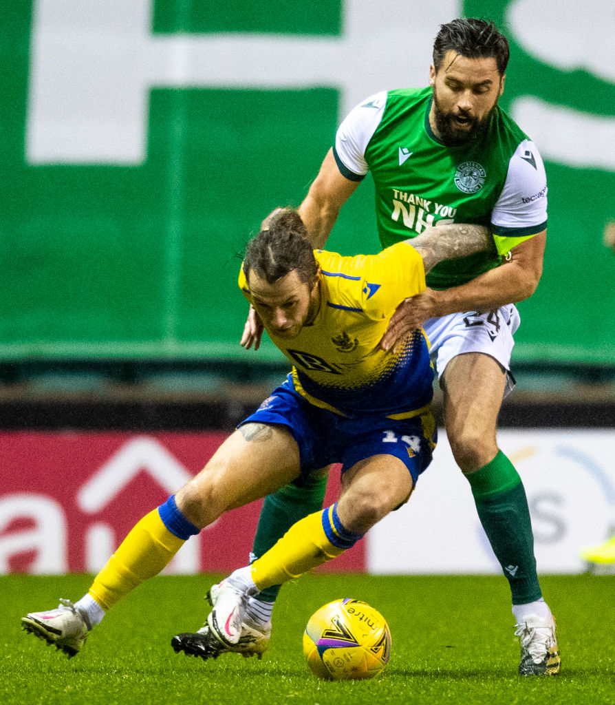 Stevie May in action against Hibernian