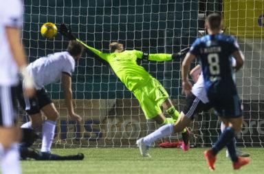 Joe Lewis makes an incredible last minute save to deny Hamilton