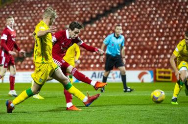 Scott Wright scores for Aberdeen