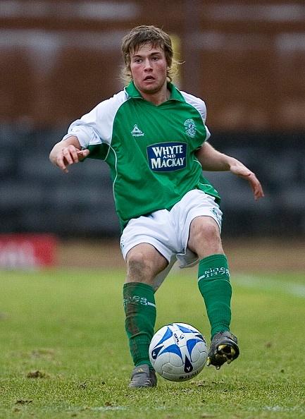 17/01/06 Spl Reserve League .Hearts Reserves V Hibs Reserves (3-0).Forthbank - Stirling .Lewis Stevenson In Action For Hibs