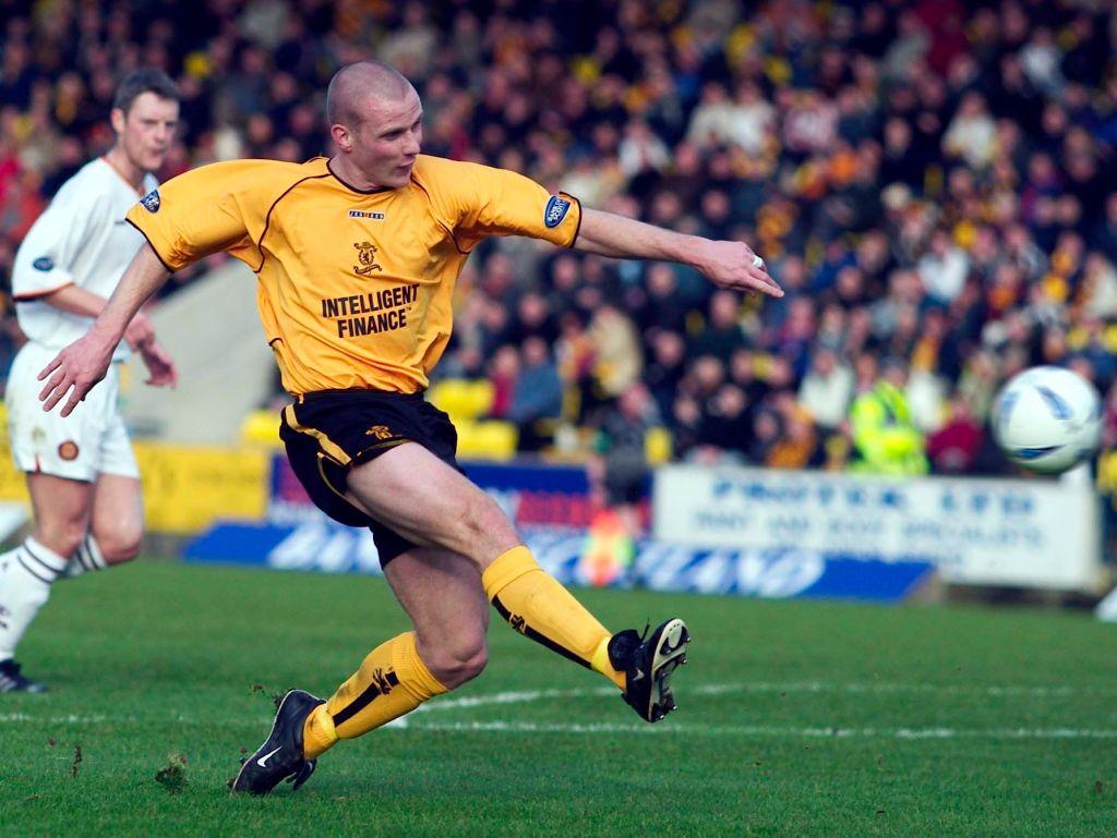 14/02/04 Spl.Livingston V Motherwell.Almondvale - Livingston.Striker Derek Lilley Powers The Ball Home To Put Livingston Into A Commanding 2-0 Lead.