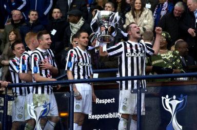17/03/13 SCOTTISH COMMUNITIES LEAGUE CUP FINAL.ST MIRREN v HEARTS.HAMPDEN PARK - GLASGOW.St Mirren's Marc McAusland lifts the trophy