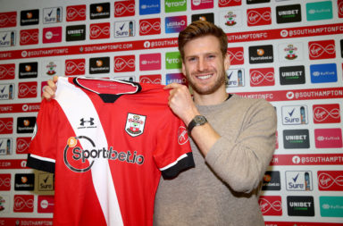 Stuart Armstrong Signs a New Contract at Southampton