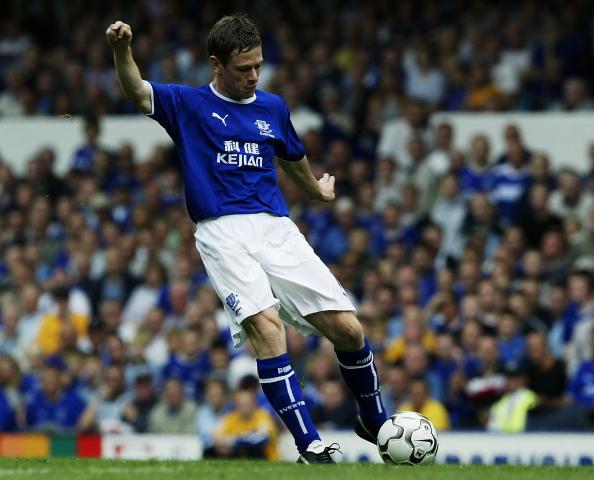 Gary Naysmith of Everton scores the first goal
